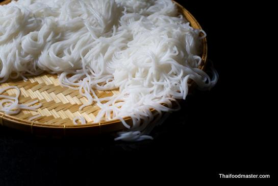 Making Fermented Rice Flour Noodles (การทำเส้นขนมจีน ; sen khanohm ...