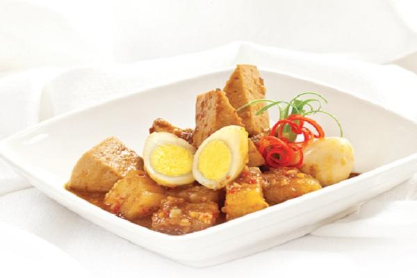 Ngon miệng hơn với món trứng cút kho giò lụa tại nhà - Món ăn Việt