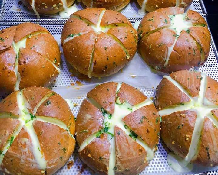 Phòng dịch Covid-19, ở nhà làm master chef với bánh mì bơ tỏi, cà ...