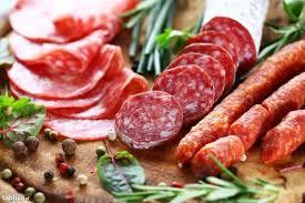 Salami là một món ngon từ thịt của nông dân Ý. Sử dụng nấu ăn