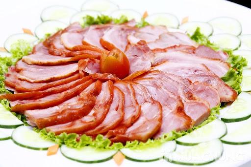 Hướng dẫn cách làm thịt nguội đỏ tươi không hóa chất cực nhanh tại nhà