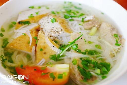 Hoàng hôn: Ăn bún cá Nha Trang ở Sài Gòn