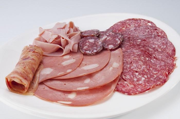 Xúc xích Salami tươi ngon, đảm bảo vệ sinh an toàn thực phẩm
