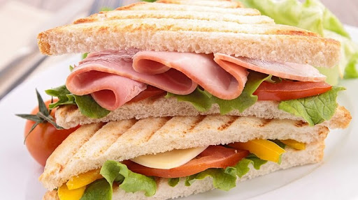 Cách làm sandwich kẹp jambon – bacon ngon mê ly