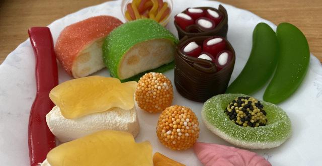 """Món kẹo sushi của Chupa Chups đang """"gây lú"""" trên diện rộng: trông cute nhưng chẳng lẽ ăn vào có vị… hải sản?"""