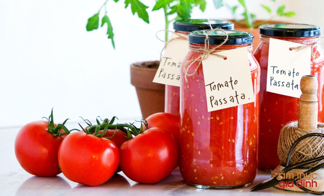 Cà chua đang rẻ, mua về làm tương cà và sốt cà chua dùng quanh năm không lo hỏng