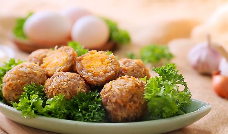 Cách làm thịt viên chiên giòn bọc trứng muối thơm ngon, cực hấp dẫn