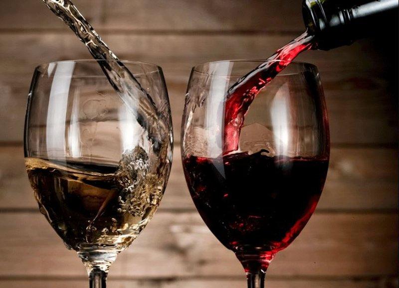 Rượu vang bảo quản được trong bao lâu? | Vinmec