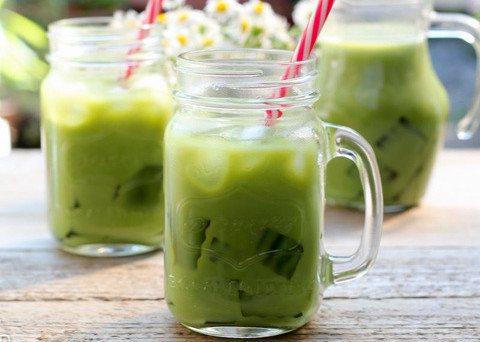 Cách làm sữa đậu xanh lá dứa sáng da, thon dáng cho ngày hè nóng nực | Ẩm  Thực