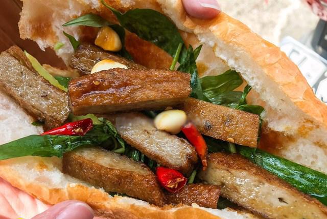 Bật mí cách làm bánh mì chả cá nha trang siêu ngon