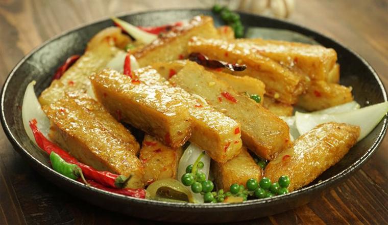 Chả cá chiên nước mắm, món ăn giá rẻ mà ngon cơm