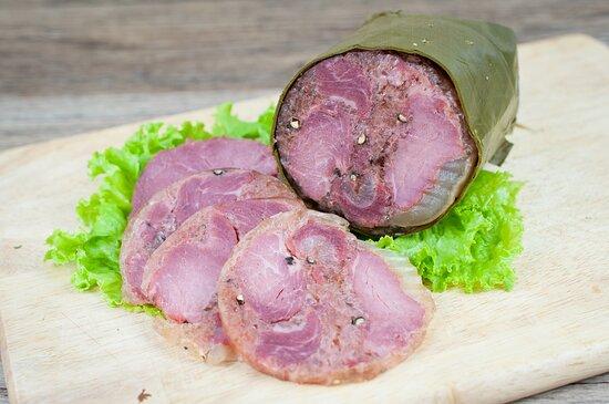 """MUA GIÒ BÊ NGHỆ AN Đặc sản """"giò bê"""" với nguyên liệu chính là thịt me ( thịt  bê) của vùng quê núi rừng Nghĩa Đàn - tỉnh Nghệ An. Giò bê"""