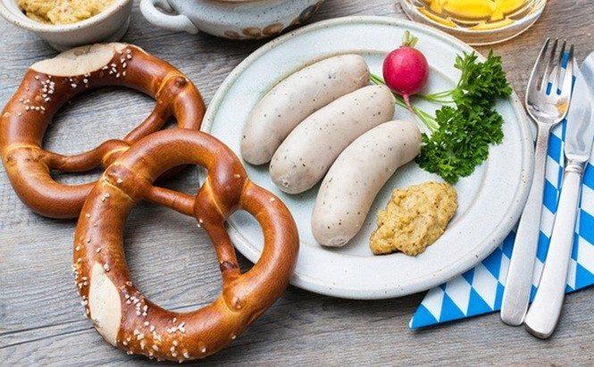 Xúc xích Đức làm từ gì? Top 10 loại xúc xích Đức nổi tiếng ở Đức