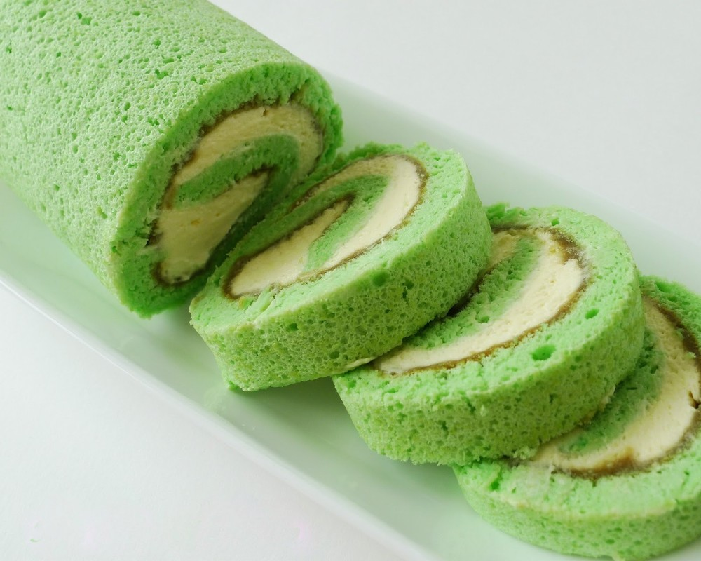 Bánh bông lan cuộn lá dứa, ngọt ngào thơm phức - Học làm bánh ngọt