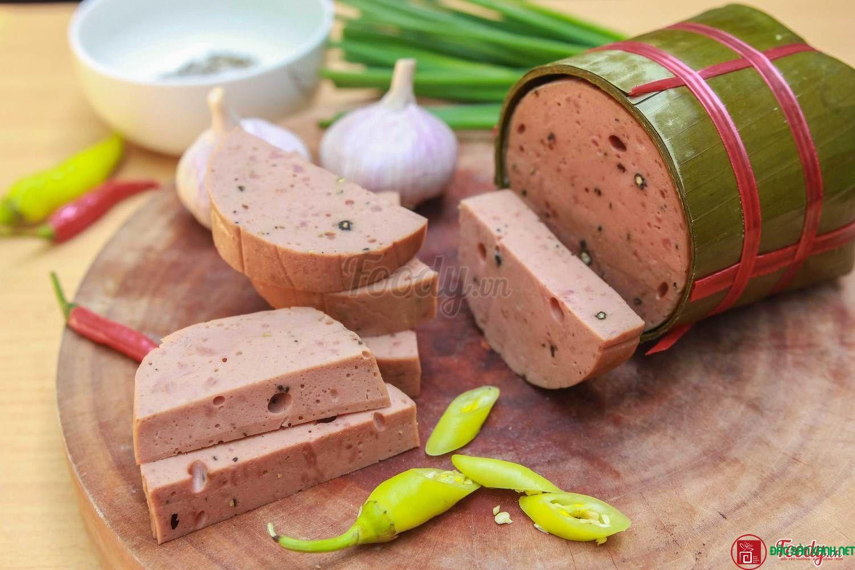 Chả bò Huế (loại 0,5kg) - Đặc sản xanh - Đặc sản ngon làm quà Việt Nam